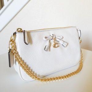 New coach white wristlet 19 handbag